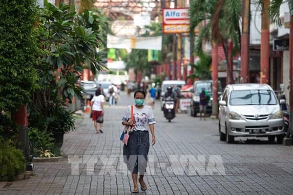 Indonesia chế tạo mũ bảo hiểm phát hiện người có triệu chứng mắc COVID-19