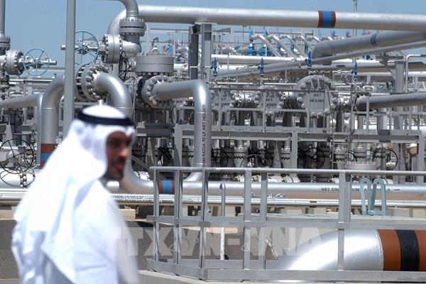 Kuwait, Saudi Arabia tạm dừng khai thác dầu từ mỏ chung