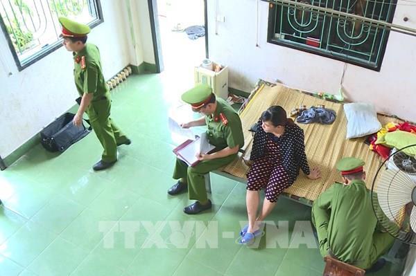 Triệt phá đường dây ép phụ nữ phục vụ quán hát, giải cứu 12 nữ nhân viên