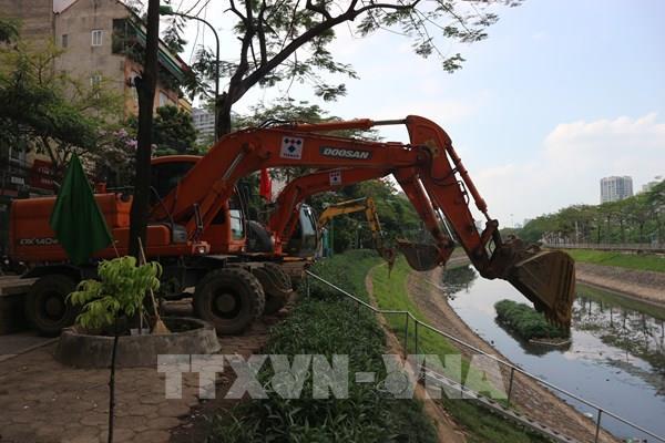 """Đưa công nghệ hiện đại """"giải cứu"""" ô nhiễm sông Tô Lịch"""
