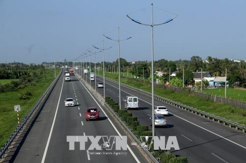 """Dự án thành phần cao tốc Bắc - Nam vừa được chuyển sang đầu tư công """"hút"""" nhà đầu tư"""