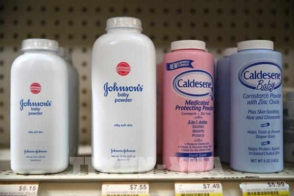 Johnson & Johnson ngừng bán sản phẩm Baby Powder tại Canada và Mỹ