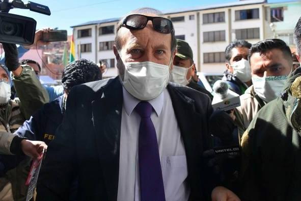 Bộ trưởng Y tế Bolivia bị bắt do liên quan tới vụ đội giá mua máy trợ thở
