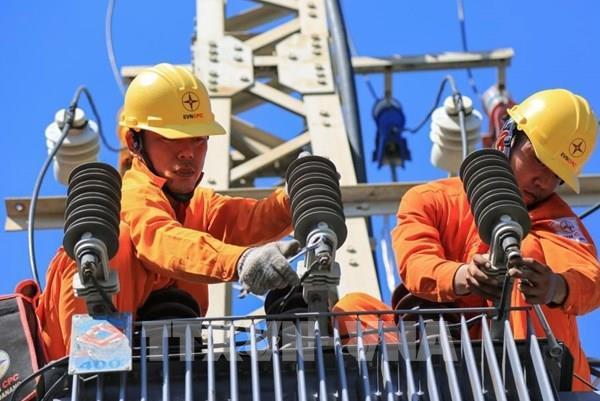 Điện lực Miền Trung giảm gần 295 tỷ đồng cho khách hàng