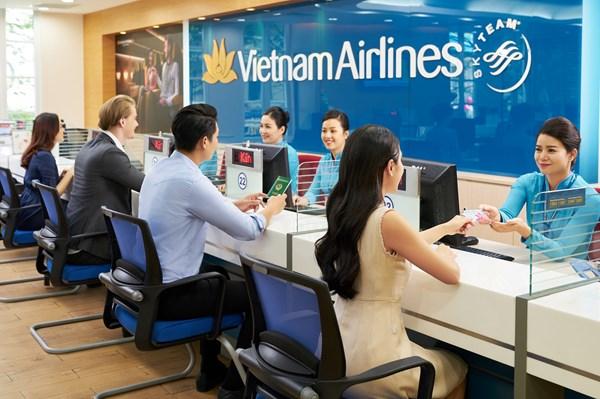 """""""Mua 1 tặng 1"""" và giảm 25% giá vé máy bay nhân kỷ niệm ngày thành lập Vietnam Airlines"""