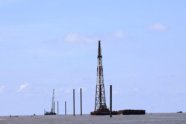 Làm rõ phản ánh của ngư dân về việc thi công Dự án Điện gió Tân Thuận