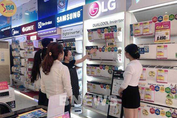 """Thị trường sản phẩm chống nóng bảo vệ sức khỏe tăng """"nhiệt"""""""
