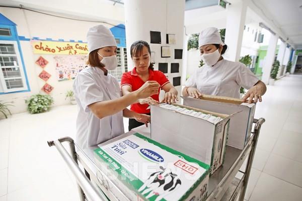 """Hơn một triệu trẻ em và học sinh Hà Nội được thụ hưởng chương trình """"Sữa học đường"""""""