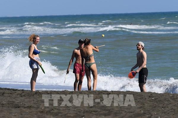 Italy mở cửa trở lại cho du khách châu Âu