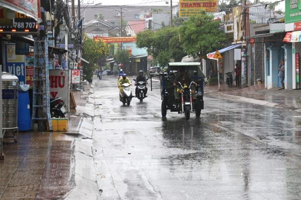 Dự báo thời tiết ngày mai 2/6: Cả nước có mưa dông, đề phòng thời tiết nguy hiểm