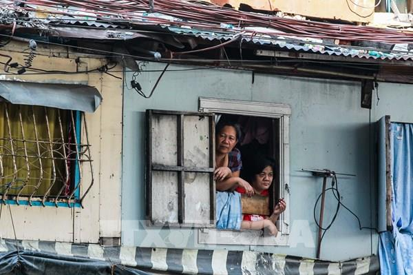 Nghèo đói, thất nghiệp đè nặng người dân khu ổ chuột ở Philippines