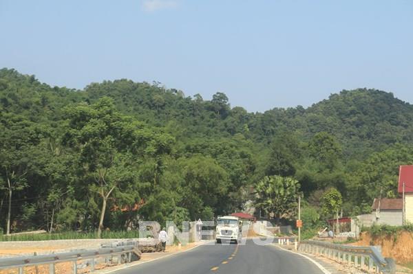 Chính thức thông tuyến  xe Quốc lộ  217, kết nối giao thông Bắc Trung Bộ với Lào