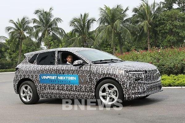 VinFast chạy thử nghiệm xe ô tô điện mới ở Hà Nội