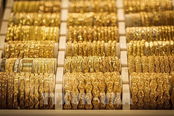 Giá vàng châu Á hướng tới quý tăng mạnh nhất trong hơn 4 năm
