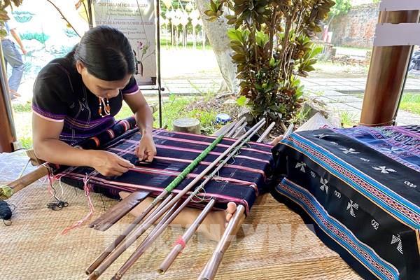 Tạo sinh kế cho đồng bào dân tộc thiểu số miền núi Thừa Thiên - Huế