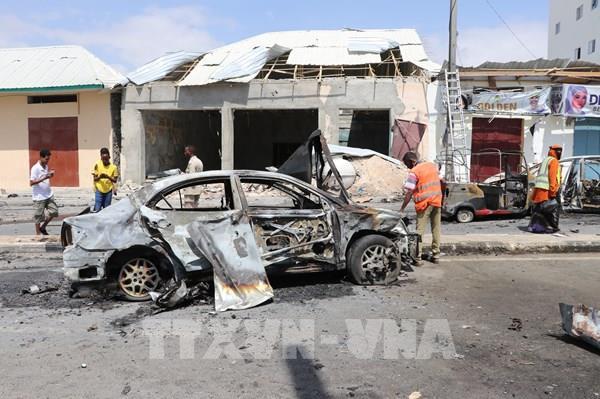 Đánh bom trên xe buýt, ít nhất 10 người thiệt mạng