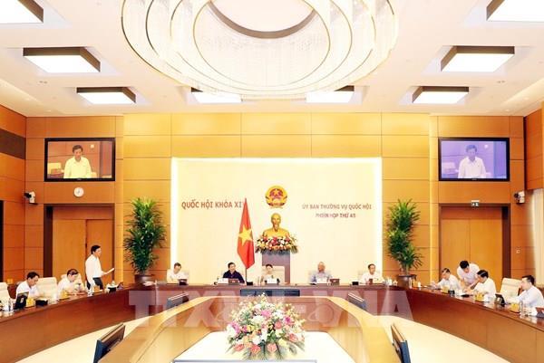 Bế mạc Phiên họp thứ 45 của Ủy ban Thường vụ Quốc hội