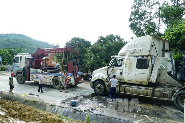 """Điện Biên: Lật xe container tại """"điểm đen"""" Nà Lơi"""