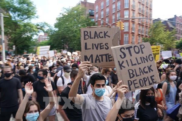 Mỹ: Hơn 200 người bị bắt giữ tại New York trước khi bắt đầu giới nghiêm