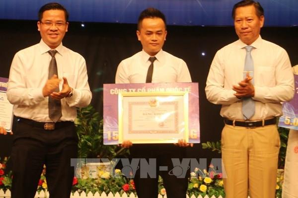 Phóng viên TTXVN giành giải A Cuộc thi viết về nông thôn mới tỉnh An Giang
