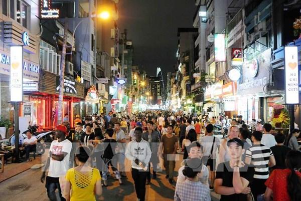 """Kinh tế Tp. Hồ Chí Minh: Nhiều giải pháp cho """"hậu"""" COVID-19"""