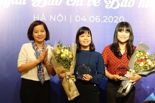 Phóng viên Ban biên tập Tin kinh tế/TTXVN đạt giải nhất giải Báo chí về Bảo hiểm