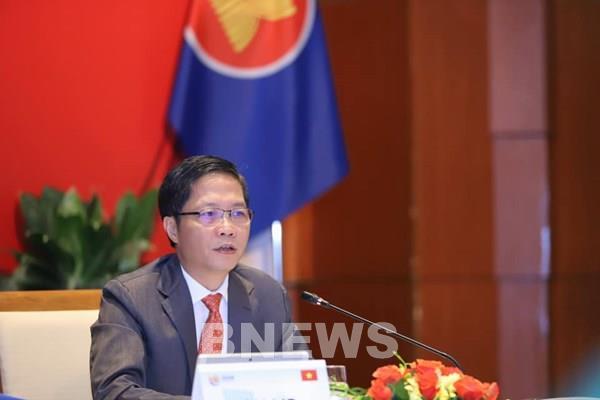 Các Bộ trưởng kinh tế ASEAN họp trực tuyến ứng phó dịch COVID-19