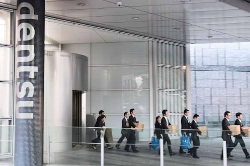 Công ty quảng cáo lớn nhất Nhật Bản sơ tán nhân viên do đe dọa đánh bom