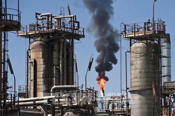 Giá dầu thế giới giảm phiên 21/10 do nhu cầu tiêu thụ xăng của Mỹ thấp