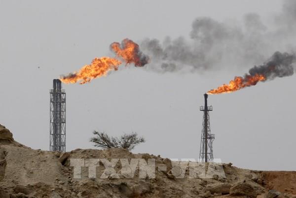 OPEC+ gia hạn thỏa thuận cắt giảm sản lượng dầu