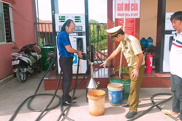 Xử phạt 3 doanh nghiệp có hành vi mua bán xăng dầu ngoài hệ thống