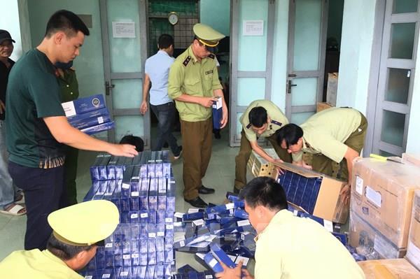 Quảng Bình thu giữ gần 14.000 bao thuốc lá ngoại nhập lậu
