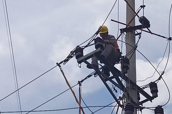 Khắc phục kịp thời các sự cố lưới điện mùa nắng nóng