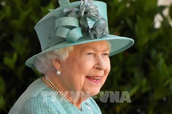 Lễ sinh nhật chính thức giản dị của Nữ hoàng Anh trong dịch COVID-19