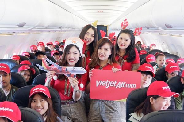 Vietjet khai thác trở lại tại sân bay Phuket (Thái Lan)
