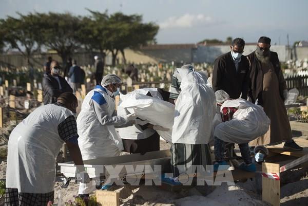Chuyên gia cảnh báo dịch COVID-19 có xu hướng gia tăng ở châu Phi