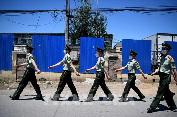 Trung Quốc nâng cảnh báo ứng phó khẩn cấp với dịch COVID-19 tại Bắc Kinh