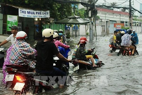 """Nan giải chống ngập tại Tp. Hồ Chí Minh – Bài 4: """"Khắc khoải"""" những kênh thoát nước"""