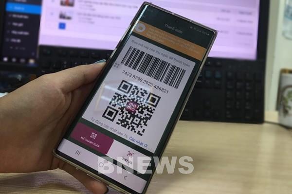 """Có thể """"quét"""" ví điện tử khi đi khám ở Bệnh viện Hữu nghị Việt Đức"""