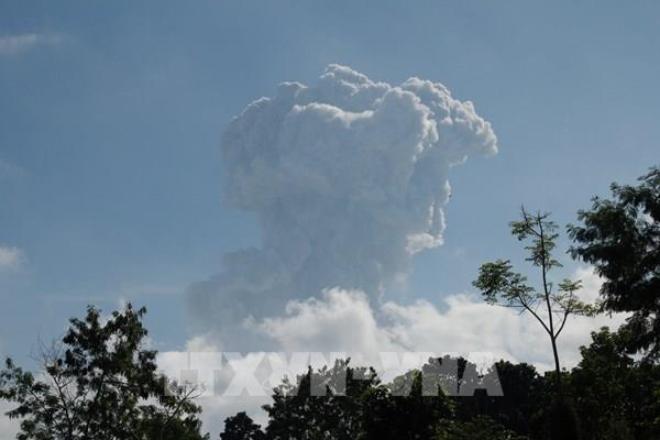 Indonesia: Núi lửa Merapi phun trào, cảnh báo hàng không mức cao nhất