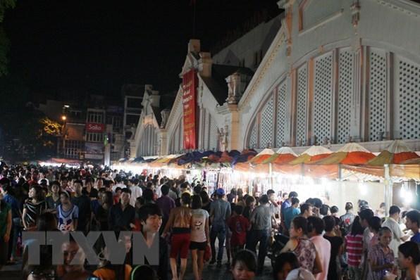 Phát triển kinh tế đêm – Động lực thu hút khách du lịch tại Hà Nội