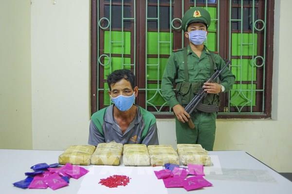 Điện Biên: Bắt giữ đối tượng mua bán trái phép 30.000 viên ma túy tổng hợp