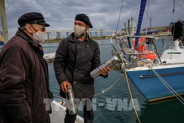 Dịch COVID-19: Một công dân Argentina vượt Đại Tây Dương để về thăm nhà