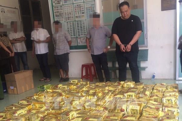 Truy tố 2 người nước ngoài vận chuyển trái phép 606 kg ma túy đá