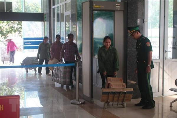 Khởi tố 2 đối tượng đưa người xuất cảnh trái phép sang Trung Quốc