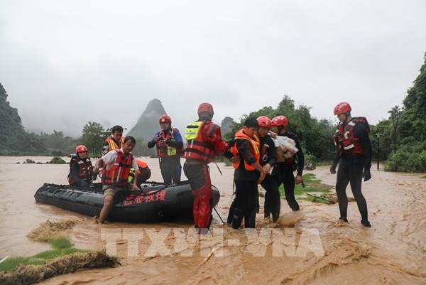 Trung Quốc kích hoạt phản ứng khẩn cấp đối phó với lũ lụt