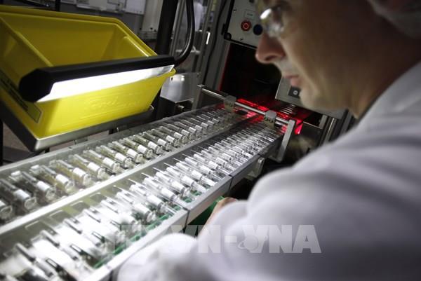 Sanofi tăng tốc trong cuộc đua phát triển vaccine ngừa COVID-19