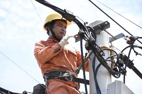 EVN thêm 2 bước trong quy trình ghi chỉ số và lập hoá đơn tiền điện