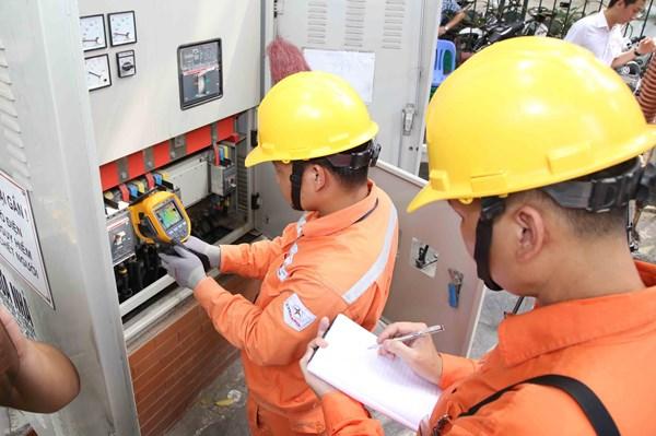 Hơn 1.000 trường hợp kiểm tra công tơ điện đều đạt yêu cầu