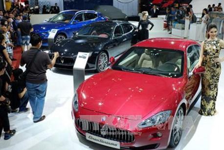 Sản lượng ô tô Anh rơi xuống mức thấp nhất kể từ năm 1946